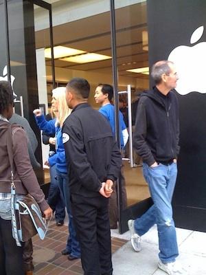 Steve Jobs y Jonathan Ive en el lanzamiento del iPad... pero casi nadie se dio cuenta 5