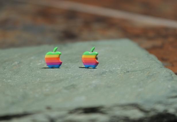 5 Accesorios que recuerdan al logo de Apple retro del arcoiris 14