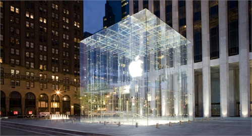 La Apple Store de Puerta del Sol se resiste a abrir 2