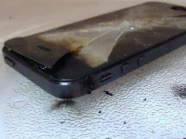 Usuarios queman su iPhone 6 al cargarlos en microondas 2