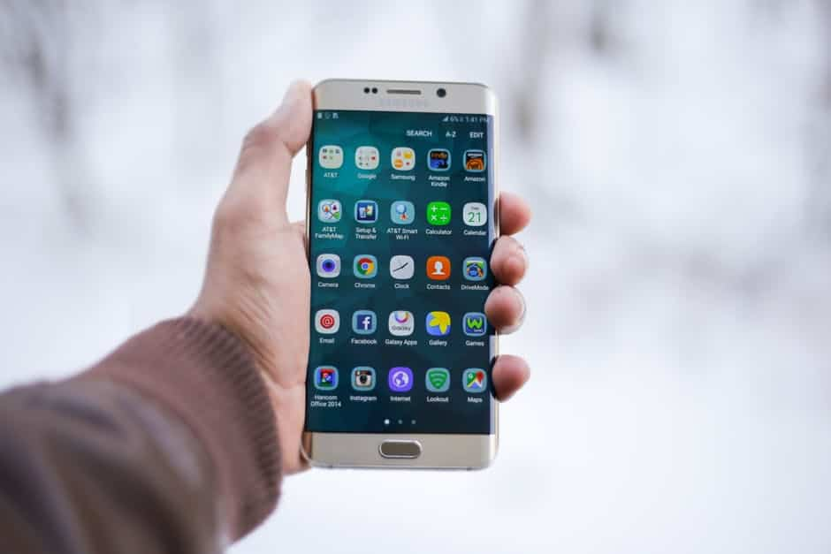A la hora de comprar un móvil, los españoles prefieren los móviles baratos 2
