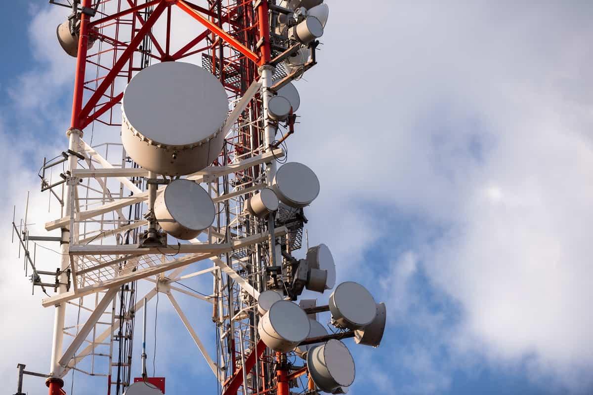 ¿Cómo encontrar una antena de celular cerca de ti?